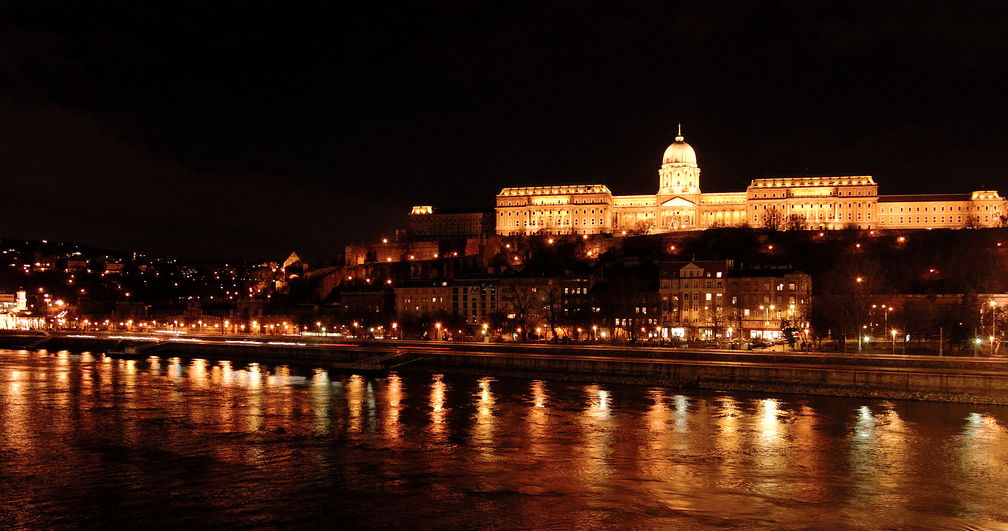 Buda-Castle-Night-Danube-Cruise-Sights-Steve-Calcott